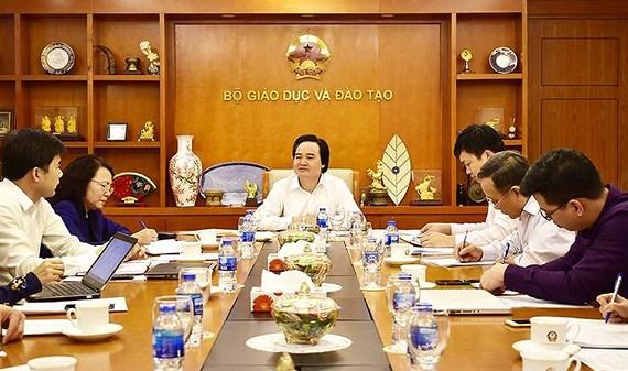 Bộ trưởng Bộ GD-ĐT chủ trì họp về quy tắc ứng xử trong trường học