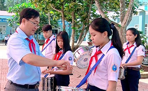 Kết quả hình ảnh cho GV tổng phụ trách đội giỏi tỉnh Kon Tum