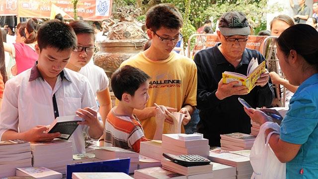 Để người trẻ ham đọc sách - Báo Nhân Dân