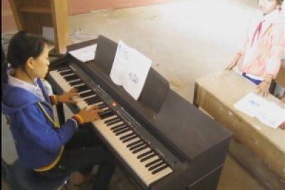 Tiết dạy Âm nhạc tại Trường Tiểu học Đắk Dục
