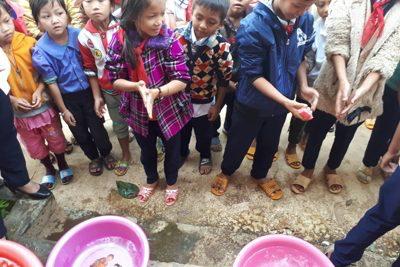 Trường tiểu học Kim Đồng phát động chiến dịch rửa tay bằng xà phòng