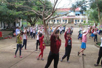 Trường Tiểu học Đắk Dục tập huấn công tác Đội năm học 2017-2018