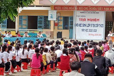 Trường TH-THCS Đắk Nông tổ chức hoạt động trải nghiệm cho học sinh lớp 5