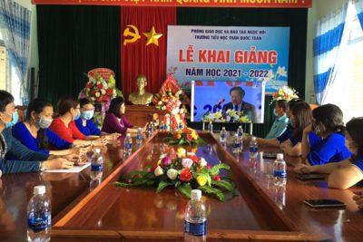 Lễ khai giảng đặc biệt: Gần 15 nghìn học sinh các trường học trên địa bàn huyện dự lễ khai giảng qua truyền hình