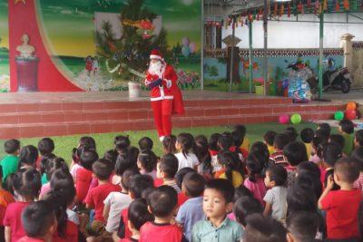 Trường Mầm non Đắk Xú tổ chức vui Giáng sinh, chào năm mới