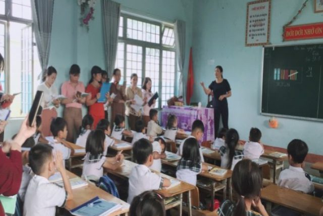 Phòng GDĐT yêu cầu các trường tiểu học không thêm hồ sơ ngoài quy định; thi giáo viên dạy giỏi các cấp trên tinh thần tự nguyện, không ép buộc