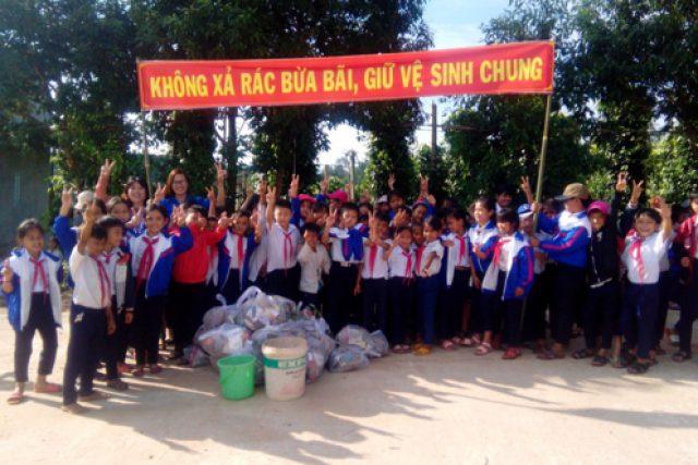Trường TH Trần Quốc Toản tích cực hưởng ứng Chiến dịch Làm cho thế giới sạch hơn năm 2019
