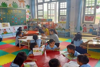 Thư viện thân thiện Trường TH ĐăkAng hướng đến xây dựng thói quen đọc sách cho học sinh vùng khó khăn