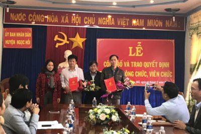 Đồng chí Nguyễn Hương Tích nhận Quyết định giữ chức Trưởng Phòng GD&ĐT huyện Ngọc Hồi