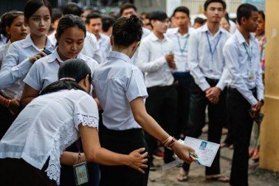 Bài học cải cách giáo dục ngoạn mục của Campuchia bắt đầu từ thi thật