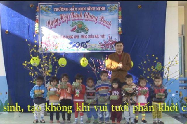 Trường mầm non Bình Minh tổ chức cho trẻ tham gia gói bánh chưng đón Tết
