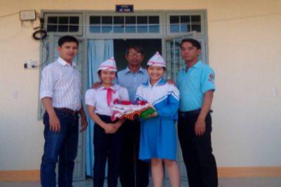 Giao lưu kết nghĩa giữa  liên đội Tiểu học Trần Quốc Toản và liên đội Tiểu học thị trấn Số 1 thị trấn năm học 2017-2018