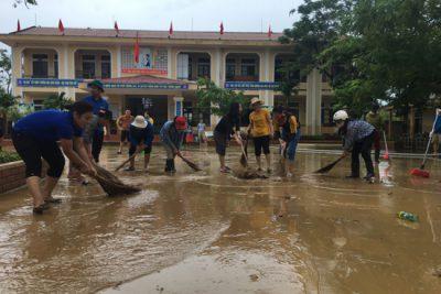 Phòng GDĐT chỉ đạo về đề phòng thiệt hại do mưa to, gió lớn và thực hiện các biện pháp đảm bảo an toàn trường học trong mùa mưa bão