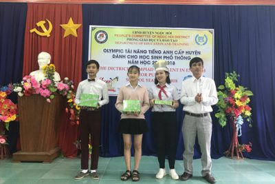Khen thưởng học sinh giỏi lớp 9 cấp huyện năm học 2018-2019