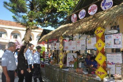 Nhiều hoạt động ý nghĩa tri ân thầy cô giáo nhân kỷ niệm 38 năm ngày Nhà giáo Việt Nam
