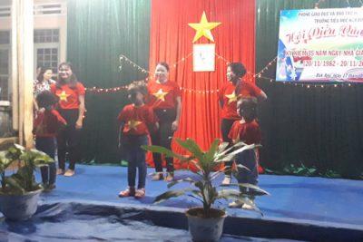 Trường Tiểu học Kim Đồng hội diễn văn nghệ chào mừng ngày Nhà giáo Việt Nam